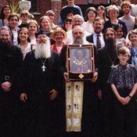 Пятнадцать лет мироточивая икона святителя Николая пребывает с нами